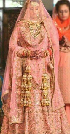 Fashion Beauty Lifestyle : Kaleeras For You From The End Of AwesomeLif. Punjabi Wedding Suit, Wedding Lehnga, Desi Wedding Dresses, Punjabi Bride, Indian Bridal Lehenga, Indian Bridal Outfits, Indian Bridal Wear, Pakistani Bridal Dresses, Wedding Suits