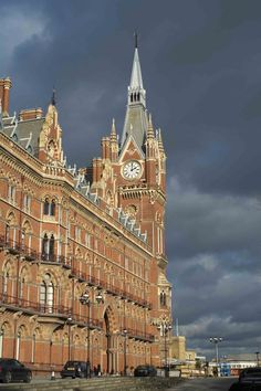 king's cross Picture by Giulliano Spitaletti #kingscross #photograph #art #kingscrosspicture #london #londonphotograph