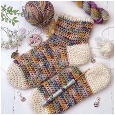 Crochet Socks Pattern, Crochet Patterns, Crochet Tote, Crochet Ideas, Crochet Stitches, Crochet Blogs, Crochet Pillow, Crochet Designs, Crochet Baby