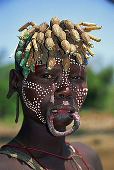 A member of the Mursi Tribe, Ethiopia, Africa Tribes Of The World, We Are The World, People Around The World, African Tribes, African Art, Population Du Monde, Art Afro, Mursi Tribe, Africa People