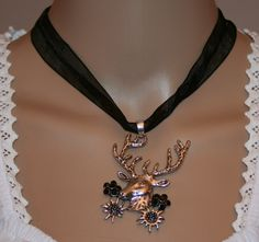 Hirschanhänger mit Strasskristall Blüten und Edelweiß am Band, verschiedene Farben von Edelweiss51 auf Etsy