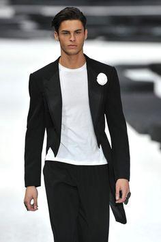Baptiste Giabiconi for Chanel . Chanel Men, Chanel Runway, Coco Chanel, Old Male Model, Male Models, Highest Paid Male Model, Karl Lagerfeld, Fashion Moda, Mens Fashion
