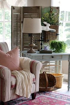 Shutters add interest to a cozy corner of a country room - Home Decorating Guru Cottage Living, My Living Room, Living Room Decor, Interior Exterior, Interior Design, Le Logis, Floating Shelves Kitchen, Estilo Country, Cozy Corner