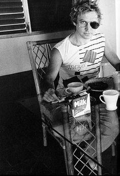 dedododo-dedadada:  Andy Summers of The Police
