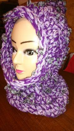 Cappuccio scalda collo misto lana realizzato all'uncinetto viola chiaro scuro e lilla