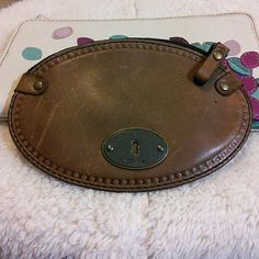 """Fossil Oval Vintage Revival VRV Zip Coin Purse New Fossil Brown Vintage Revival Zip Coin Purse. Bag measures approximately : 6 """" x 4"""" . Fossil Bags Wallets"""