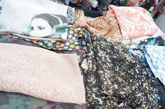 Coupons de tissu pour l'habillement et la confection au magasin de couture de Wesserling, près de Thann, Cernay et Saint-Amarin