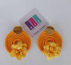 Topos tejidos color amarillo ⭐⭐ Pidelos ⬇️⬇️ @viccomplements . . . . . . . #accesorios #aretes #artesania #crochet #hechoamano #hadmade… Perfume Bottles, Color, Tejidos, Yellow, Hand Made, Accessories, Colour, Perfume Bottle, Colors