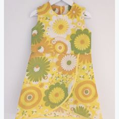 Just finished this awesome piece! A dress with that groovy feeling! Retro Dress, Boutique Clothing, Girl Outfits, Summer Dresses, Yellow, Pattern, 3 Years, Inspiration, Clothes