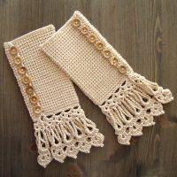 Crochet Stitches Tunisian *Free Crochet Pattern - Cuffs In Beige With Long Lace Edging - Tunisian Crochet - by Jolanta Gustafsson - Crochet Wrist Warmers, Crochet Boot Cuffs, Crochet Boots, Crochet Gloves, Crochet Scarves, Crochet Lace, Free Crochet, Crochet Afghans, Crochet Mittens Pattern