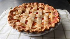 Peach #Pie - How to Make a Lattice-Top Peach Pie