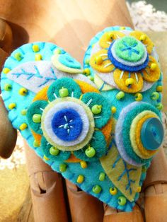 Items similar to - Japanese Art Inspired Heart Shape Felt Brooch - Turquoise on Etsy Fabric Crafts, Sewing Crafts, Little Presents, Felted Wool Crafts, Felt Embroidery, Heart Crafts, Felt Decorations, Felt Patterns, Felt Brooch