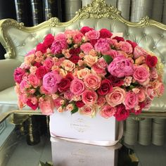 Looking for luxury flowers in a box? JLF Los Angeles offers Premium Leyla Box fresh flowers carefully put together to express romance and love. Celebrate Mothers Day with the world's most exquisite flowers! Flower Box Gift, Flower Boxes, Wedding Table Centerpieces, Flower Centerpieces, Flowers Decoration, Amazing Flowers, Beautiful Flowers, Rose Flower Arrangements, Luxury Flowers