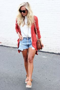 lovely summer outfits you should already own 1 Fall Cardigan, Cardigan Outfits, Cardigan Fashion, Summer Shorts Outfits, Short Outfits, Casual Outfits, Fashion Outfits, Fall Winter Outfits, Spring Outfits