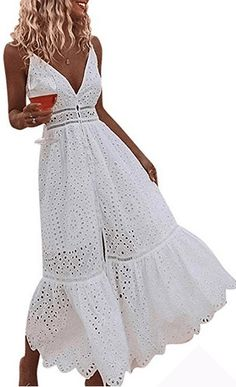 Casual White Beach Dresses: If you're looking for a super flattering casual white dress for your next vacation or summer party, you've come to the right place. Long summer dresses as well as short and sassy beach dresses. Long Summer Dresses, White Dress Summer, Summer Outfits, Dress Long, Cotton Beach Dresses, Fashion Games For Girls, Photos Bff, Beach Hairstyles, Men's Hairstyle