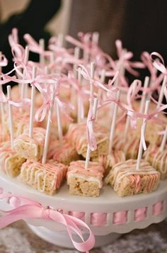 #Baby #shower snack, rice crispy with white chocolate drizzle (pink+white, blue+white) #babyshower www.babyshowerstore.ca