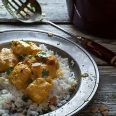 Coconut milk, yogurt and salmon curry Curry Recipes, Seafood Recipes, Indian Food Recipes, Vegetarian Recipes, Healthy Recipes, Ethnic Recipes, Healthy Food, Yogurt Curry, Coconut Milk Yogurt