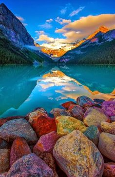 Rocky shore lake louise canada