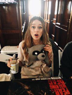 "Alycia and a raccoon… "" Alycia Debnam Carey, The 100 Cast, The 100 Show, It Cast, Lexa The 100, The 100 Clexa, Alicia Clark, Commander Lexa, Clarke And Lexa"