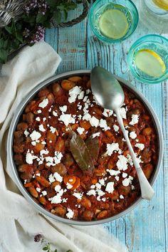 Kifőztük online gasztromagazin, receptek, tippek, ötletek Feta, Chili, Beans, Vegetables, Chile, Vegetable Recipes, Chilis, Beans Recipes, Veggies
