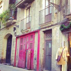 doors- pink. colorful. barcelona