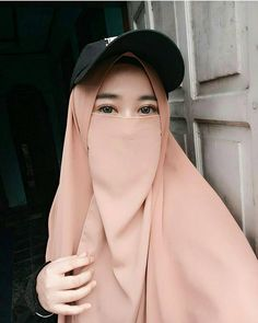 "2,448 Likes, 17 Comments - Muslimah Nusantara (@okemuslimah) on Instagram: ""Dalam hidup, kita harus siap untuk kemungkinan terburuk dan selalu berharap untuk yang terbaik,…"""