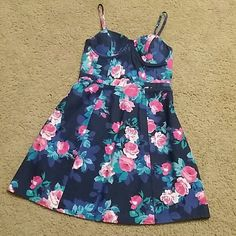 Jessica Simpson floral dress New with tag $69.00 Size Small in junior size  Price firm Jessica Simpson Dresses Mini