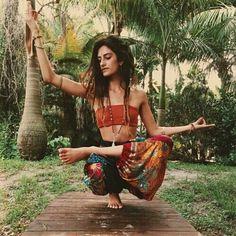 Yoga Supplies – Find Out Why Yoga Supplies It All bohemian boho style hippy hippie chic bohème vibe gypsy fashion indie folk dress Hippie Chic, Style Hippy, Estilo Hippie, Bohemian Mode, Gypsy Style, Bohemian Style, Boho Chic, Hippie Masa, Modern Hippie