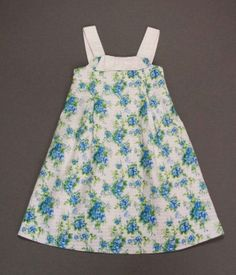 Vestido pique blanco con flores azules con lazo. Miranda. 8-9 años. 13,10€