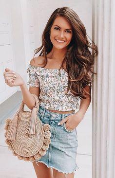 summer outfit idea / printed top + round bag + denim skirt