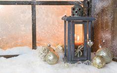 фонарь, свеча, шарики, окно, снег