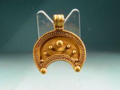 Greek / Roman Gold Moon Lunar Pendant 100BC