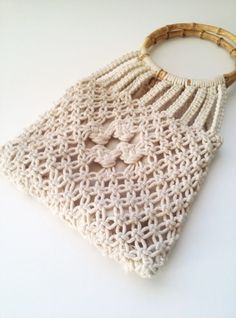 140422184245 «Voice of woman, woman, food, tissue . Macrame Purse, Macrame Art, Macrame Knots, Macrame Jewelry, Baby Knitting Patterns, Knitting Designs, Crochet Patterns, Beaded Purses, Crochet Purses