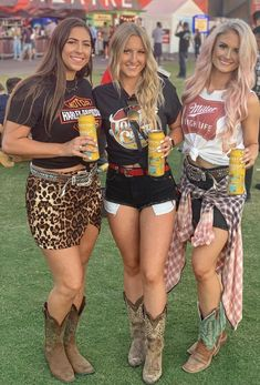 Country Concert Outfit, Country Concerts, Cute N Country, Country Girls, Cowgirls, Rodeo, Fitness Fashion, Southern, Horses