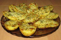Запеченный картофель в чесночном масле