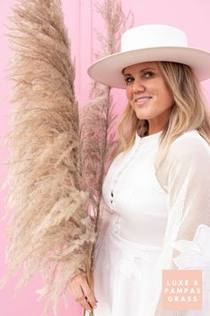 Luxe B Pampas Grass is currently the leading online marketplace for Pampas Grass.We carry a large variety of Pampas types in natural colour, bleach white, pink and other mesmerizing colors. Perfect for your home decor, any event especially boho wedding decor. Currently we ship anywhere in the US and Canada. @luxebpampasgrasswww.luxebpampasgrass.com#pampasgrass #driedpampas #luxebpampasgrass #driedpampasgrass #driedflowers #bohowedding Boho Wedding Decorations, Pampas Grass, Dried Flowers, Online Marketplace, Bleach, Canada, Ship, Colour, Natural