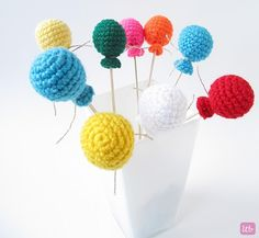 Little Things Blogged: Crochet balloons. Would look cute on presents I think