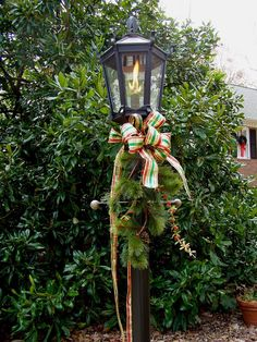 Decorating for a Traditional Christmas: The 49th Metamorphosis Monday