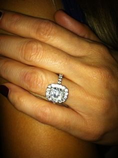 Woah...Now THIS is an engagement ring!!
