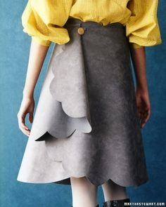 Esta falda de gamuza requiere trazar y cortar, pero no coser. | 31 Easy DIY Projects You Won't Believe Are No-Sew