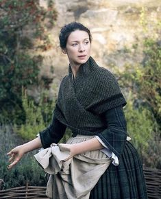 Knitting Patterns Outlander Highlands Triangle Shawl Wrap Scarf Shoulder Warmer Custom Sizes Ready to SHIP Outlander Knitting Patterns, Knitting Patterns Free, Free Knitting, Highlands, Pretty Mugs, Claire Fraser, Triangle Scarf, Period Costumes, Historical Clothing
