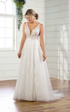 All-natural, bohemian inspiration with a touch of refined glamour, this Essense of Australia wedding dress is a dream come true for your inner boho goddess. Aline Wedding Dress Lace, Boho Wedding Dress With Sleeves, Wedding Dress With Pockets, Sweetheart Wedding Dress, Wedding Dresses Plus Size, Fall Wedding Dresses, Wedding Dress Styles, Gown Wedding, Sleeveless Wedding Dresses
