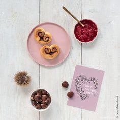 FREE DOWNLOAD BY Oogst uit eigen tuin seen on HappyMakersBlog.com   #illustration #illustrator #valentinesday #love #postcard #valentijnskaart #dutchillustrator #dutchilllustratornl #valentine #loveletter Love Letters, Valentines Day, Goodies, Presents, Dutch, Handmade, Posters, Free, Valentine's Day Diy