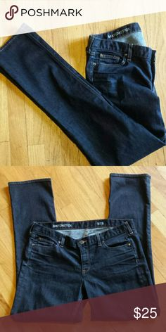 "J. Crew Matchstick Like new. 31"" inseam  98% cotton 2% elastan J. Crew Jeans Straight Leg"