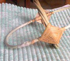 arrêt-rosace1 Ethno Style, Basket Weaving, Clothes Hanger, Diy, Baskets, Hobbies, Kids Modeling, Journaling, Gods Eye