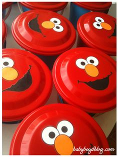 Elmo birthday party invitations tutorial holidays and special diy elmo frisbee solutioingenieria Choice Image
