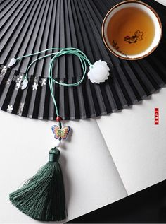 安静的莲文艺复古风书签古典中国风小礼品创意文具流苏书签定制-淘宝网全球站 Chinese Fans, Chinese Style, Chinese Ornament, Chinese Hairpin, Chinese Element, Antique Fans, Chinoiserie Chic, China Art, Ancient Jewelry