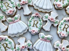 A sweet baptism set for a precious little one! Baby Cookies, Baby Shower Cookies, Iced Cookies, Royal Icing Cookies, Sugar Cookies, Christening Cookies, Cross Cookies, Cute Baby Shower Ideas, Biscuits