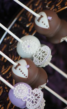 Sugar Veil Wedding Favors - Cake Pops Chocolate Bride Groom