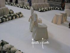 sedute sposi #event #flowerdesigner #fiori #matrimoniopuglia #wedding #matrimonio #puglia #matrimoniolecce #salento #sanmatteo #totalwhite #rivestimentosedute #sedutesposi #allestimentifloreali #weddingplanner #donatochiriatti